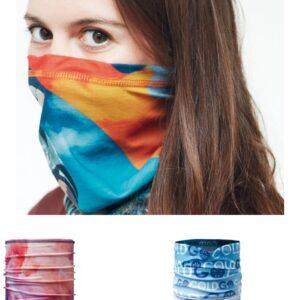 bandana tubolare multifunzione scaldacollo in poliestere traspirante antibatterico silver plus con stampa personalizzata in sublimazione full color indossata